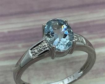 9ct White Gold Aquamarine Gemstone with Diamond Set Shoulders Ring