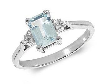 9ct White Gold Aquamarine and Diamond Classic Design Ring