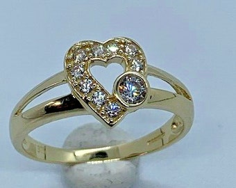 9ct Yellow Gold Cubic Zirconia Heart Shaped Ring, Size N