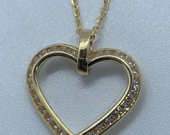 """9ct Yellow Gold Cubic Zirconia Set Open Heart Pendant with 18"""" Chain adjustable"""