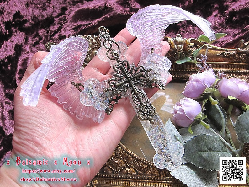 Resin big Cross with Flapping Curved Wing Angel pendantTransparent rose wingIncluding rainbow-colored glassgothic lolitaxBalsamicxMoonx