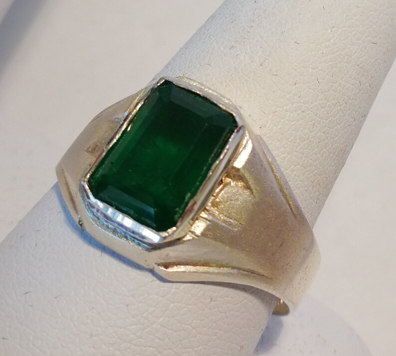 Emerald Solitaire Ring