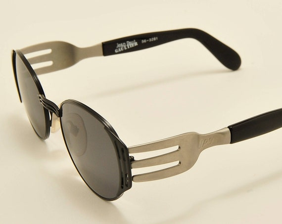 Jean Paul Gaultier 56 3281 oval shape / titanium frame / special design / 90s model / NOS / new lenses / Made in Japan / Vintage sunglasses