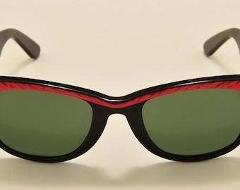 d901a08eee Ray Ban Street Neat Wayfarer (Red) original wayfare shape   Made in USA    Bausch   Lomb original crystal lenses   NOS   Vintage sunglasses