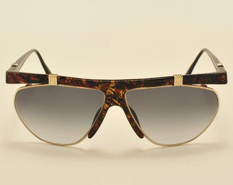 e7786be3bc4 Christian Dior 2555 squared shape   optyl and golden frame   exclusive rare  model   80s model   NOS   Made in Germany   Vintage sunglasses