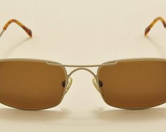 f4404f4fde Romeo Gigli RG 72 squared shape   light metal frame   90s model   NOS    Made in Italy   new lenses   vintage sunglasses