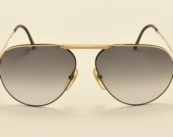 dd48f51614c Christian Dior 2536 classic aviator shape   golden and black frame   gray  gradient lenses   80s   NOS   Made in Austria   Vintage sunglasses
