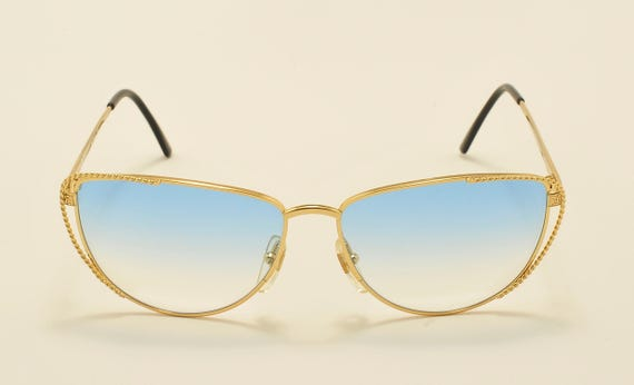 Fendi FV171 cat eye shape / golden frame / fine details / soft blue lenses / 90s model / NOS / Made in Italy / Vintage sunglasses