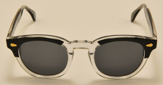 Nostalgy mod. California col.03 wayfarer shape / acetate frame / NOS / Made in Italy / cool model / Vintage sunglasses