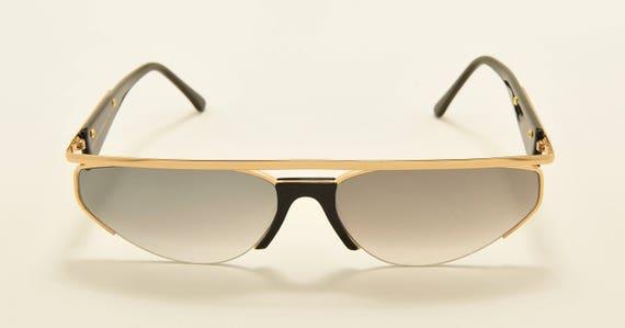 Jean Louis Scherrer 9010 squared shape / golden black frame / gray gradient lenses / 80s model / NOS / Made in Italy / Vintage sunglasses