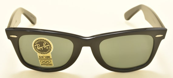 Ray Ban Wayfarer original wayfare shape / Made in USA / Bausch & Lomb original crystal lenses / NOS / 90s / Vintage sunglasses