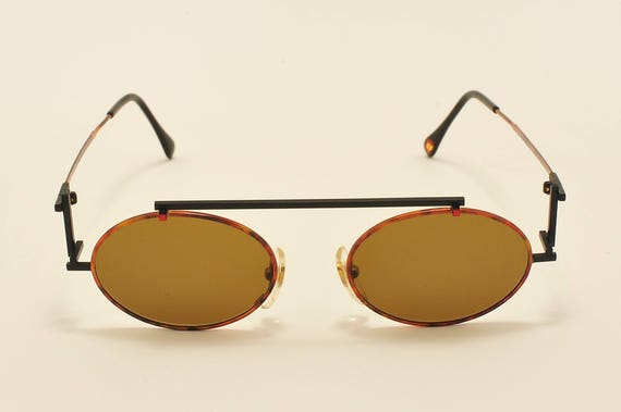 Casanova C03 oval shape / special and exclusive details frame / 80s model / NOS / Made in Italy / new lenses / Vintage sunglasses