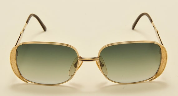 Christian Dior 2713 squared shape / golden frame / Made in Austria / gray gradient lenses / NOS / Vintage sunglasses