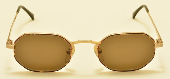 Giorgio Armani 151 759 octagonal shape / golden frame / 90s model / NOS / Made in Italy / nice details / Vintage sunglasses