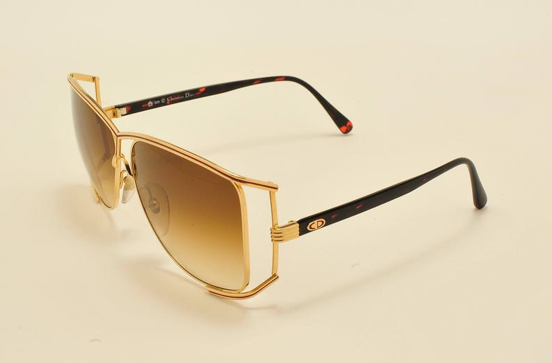 43c604ad9d Christian Dior 2688 oversized shape   golden and optyl frame