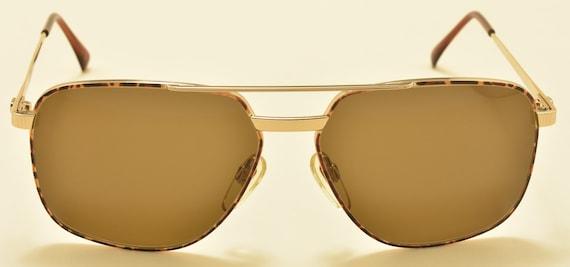 Valentino V617 aviator square shape / golden frame / rare model / NOS / 80s / nice details / Made in Italy / Vintage sunglasses