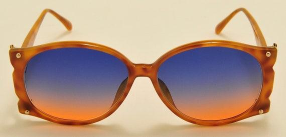 Christian Dior 2575 classic shape / optyl frame / bicolor lenses / 80s / NOS / golden details side / Made in Germany / Vintage sunglasses