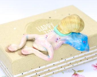 Sleeping Snail Edge Stool, Polymer Clay Figurine, Art Figure with Character, Snail Figure Humorous, Funny Sweet Fimo Animal
