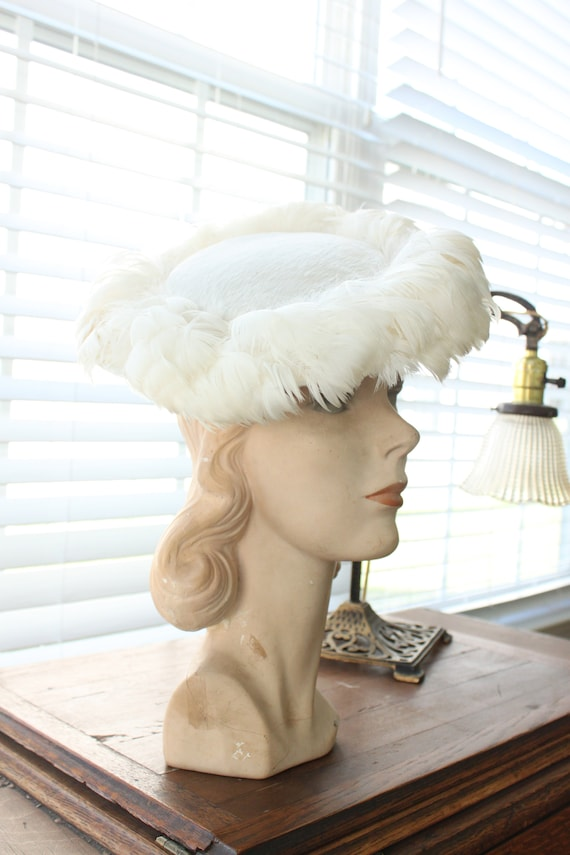 1950-60s Feathered White Platter Hat