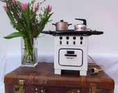 vintage doll stove, dollhouse kitchen, doll kitchen stove quot Heiliger quot , 1950s very rare fully functional, electric 220 volt, enamel