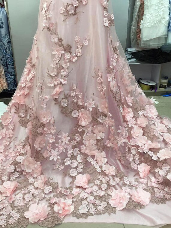 lumière bleu dentelle dentelle dentelle 3D, tissu de dentelle brodée de fleurs 3D, tissu de dentelle perlée pour les accessoires de couture robe robe de mariée costume f12611