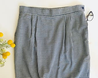 Vintage knee length skirt, houndstooth skirt, navy blue skirt, vintage clothing