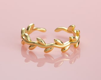 Adjustable Gold Toe Ring in Gold Plated Sterling Silver, Simple Toe Rings for Women and Teen Girls, Vine Toe Ring, Midi Ring or Pinky Ring