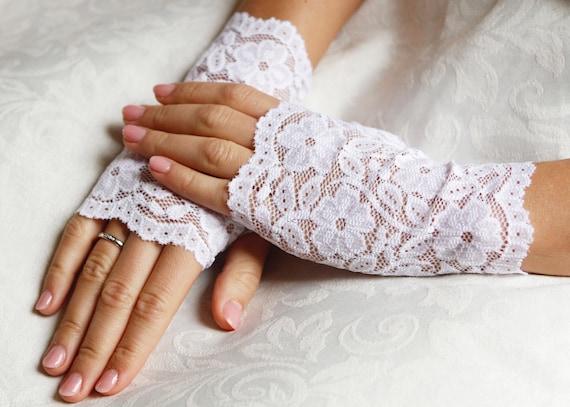 """Fingerless Gloves Lace White 15/"""" Long Bridal  Wedding Gloves  NEW"""