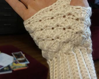 Cute little fingerless gloves