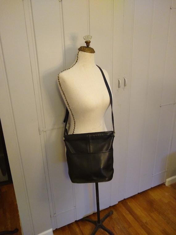 Black leather cross body Coach purse/ vintage leat