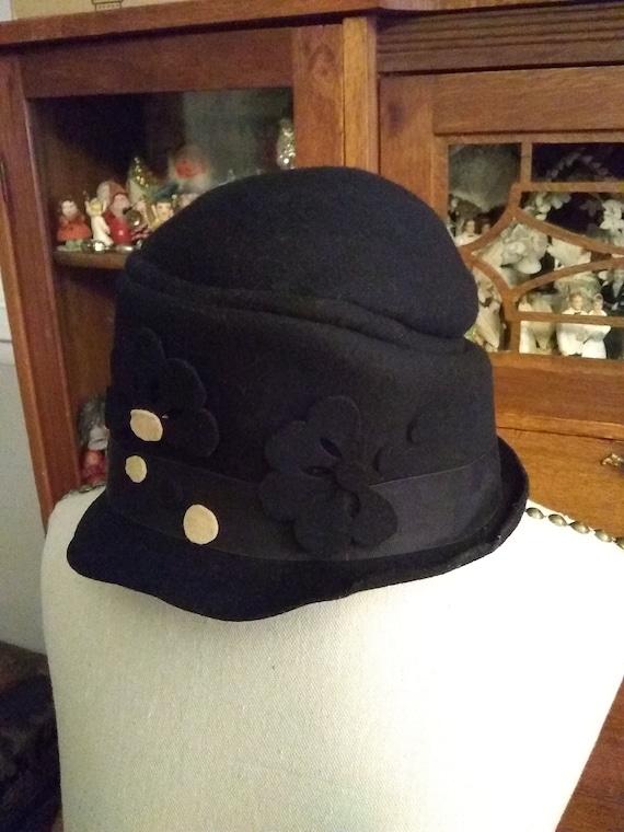 1920's-30's felt bucket hat