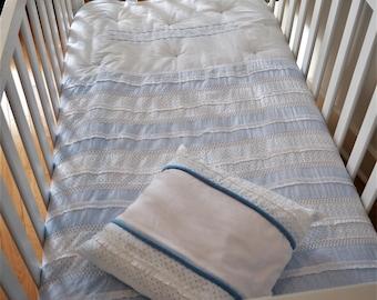 """Classic small"" comforter"
