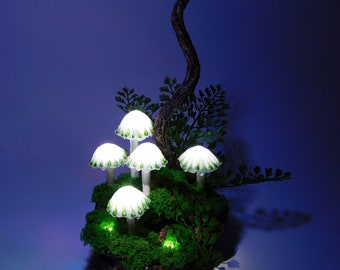 Mushroom lamp consisting of five white mushrooms lights with a green pattern - A small piece of Art for Magic Hours