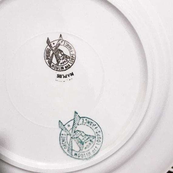 Service à dessert, 13 pièces, manufacture française Moulin des loups Orchies, Modèle Naples, 12 assiettes et plat à tarte, XXe siècle