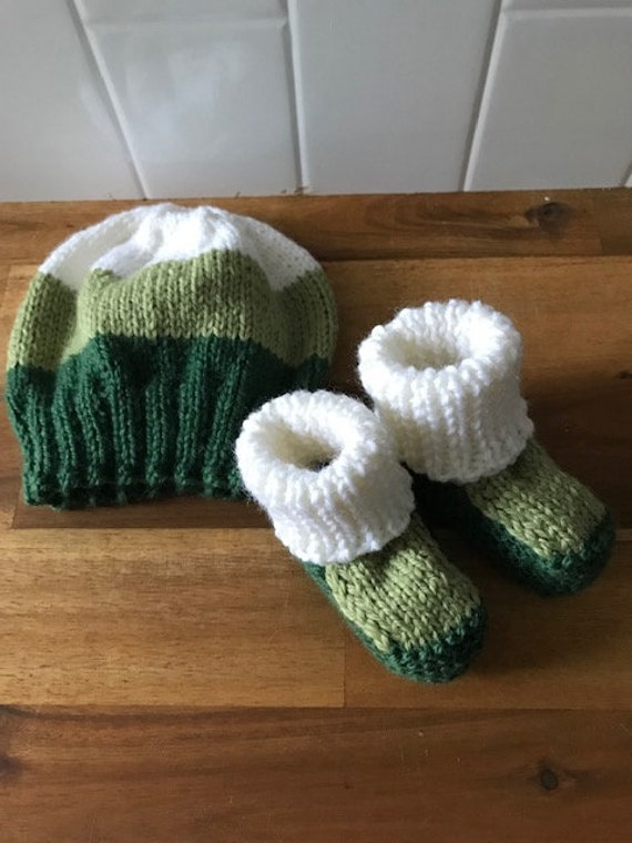 Beanie & Bootees SET Newborn 100% Wool, Hand Knitted, Unsiex Baby Clothes, Baby Shower Gift