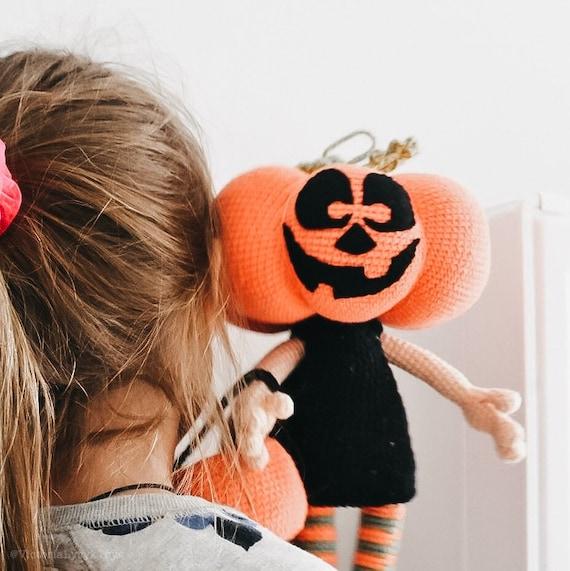 Patrones amigurumi: calabaza de Halloween   Uncinetto, Cibo ...   571x570
