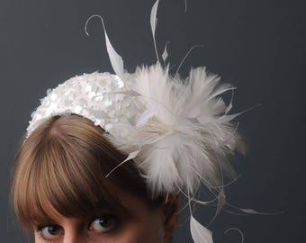 Bridal Headdress/Wedding Headpiece/Bride Fascinator