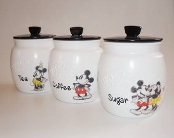 Mickey & Minnie Kilner Round Kilner Push Lid Tea Canister Set 850ml Mickey Red Shorts Design