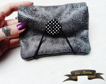 Wallet polka dot button