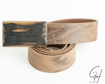 Leather belt with wooden buckle from the antique whisky barrel