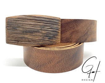 Leather belt with wooden buckle from must barrel