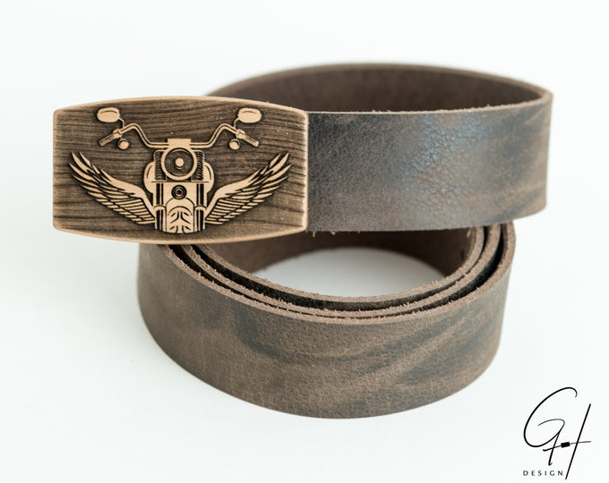 Leather belt with pear wood motorcycle design