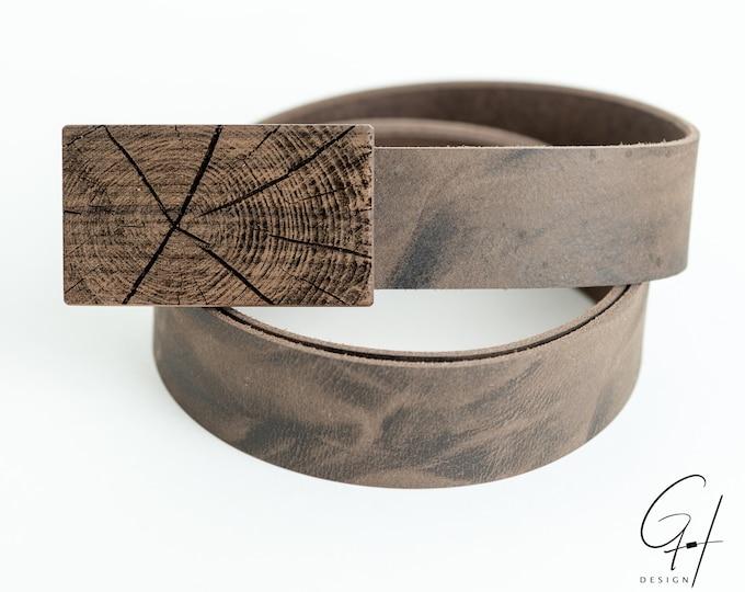 Leather belt with walnut tree trunk design