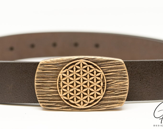 Leather belt with flower of life wooden buckle