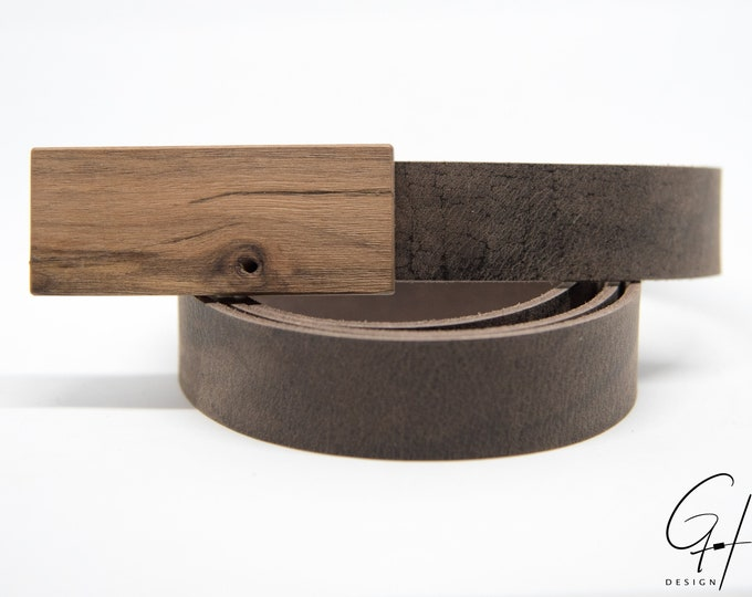 Leather belt with walnut buckle