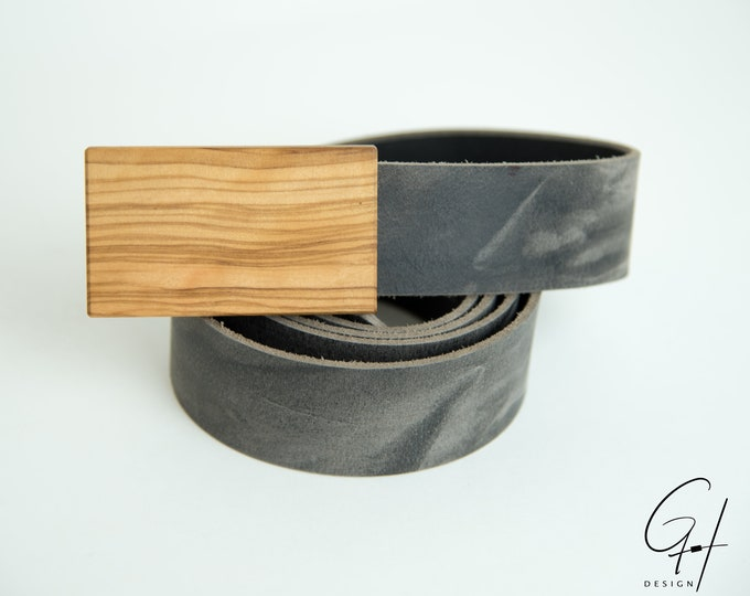 Leather belt with olive wooden buckle