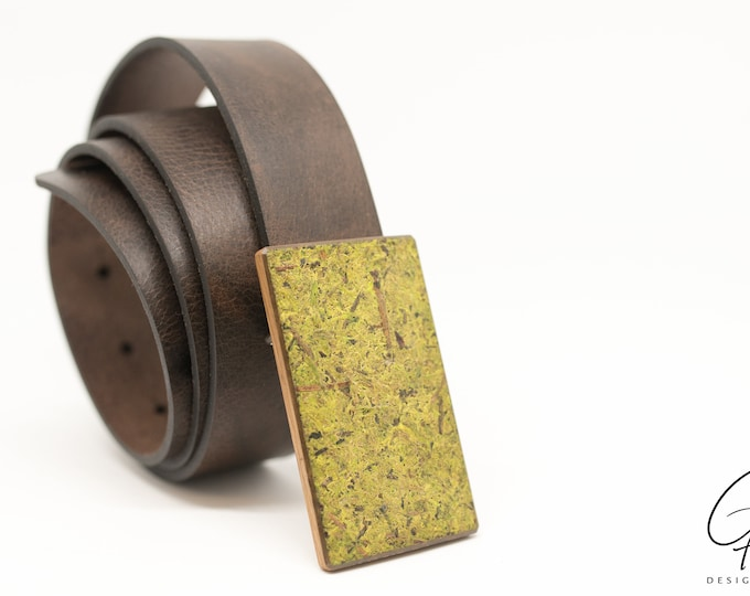 Leather belt with wooden buckle & Moss