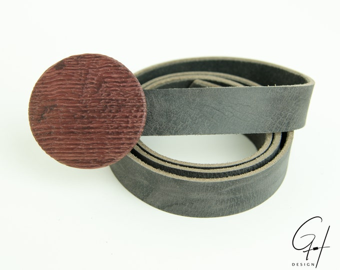 Leather belt with wooden buckle from the ancient wine barrel