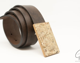 Leather belt with wooden buckle & Alpine hay