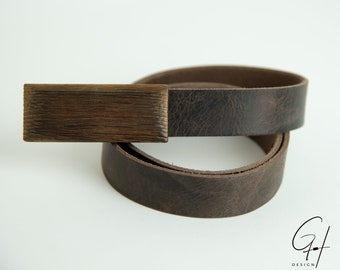 Leather belt with wooden buckle from antique must barrel